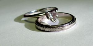 wedding-rings-2-1427348 (1)